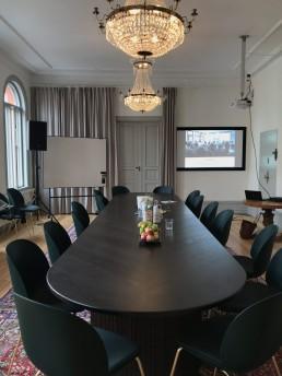 Konferensrummet på Hyreshuset i Katrineholm, dags för Lika Olika-föreläsning.